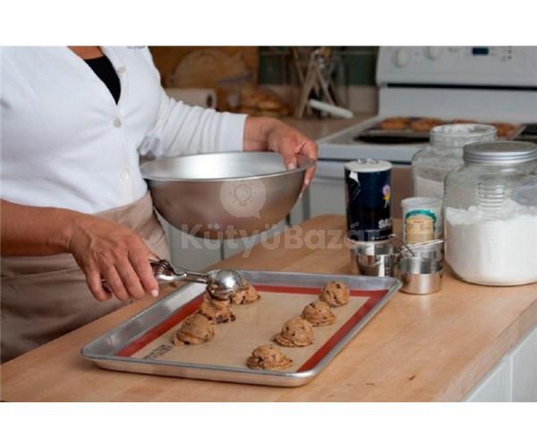Tapadás- és ragadásmentes szilikon sütőlap