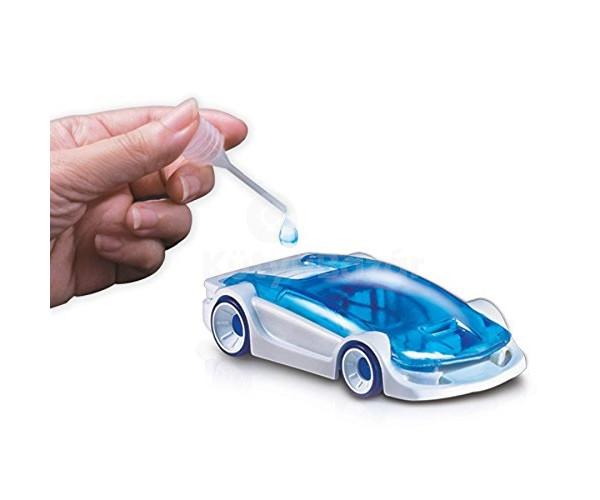 Sós vízzel működő kisautó