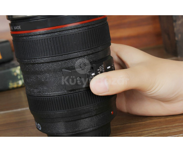 Önkeverős fényképezőgép objektívvel ellátott bögre