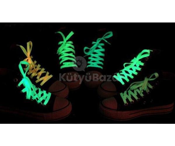 Foszforeszkáló cipőfűző