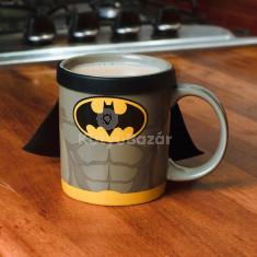 Batman bögre köpennyel