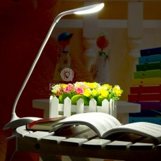 Asztali led lámpa / olvasólámpa - csíptethető