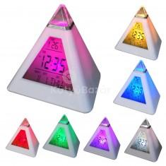Színváltós piramis óra asztali óra