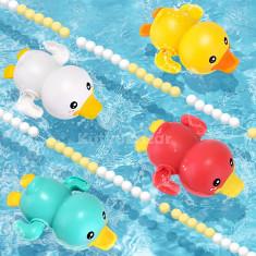 Aranyos, úszkáló fürdőjáték