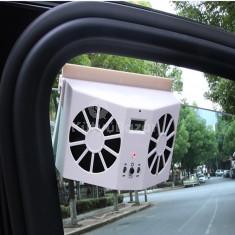 Napelemes ventilátor kijelzővel autó ablakra