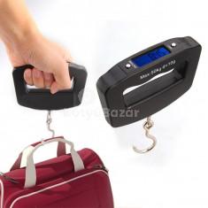 Kompakt digitális poggyászmérleg akasztóval