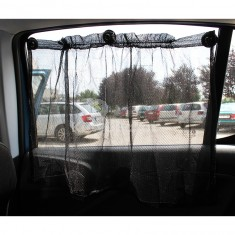 Árnyékoló függöny autóba