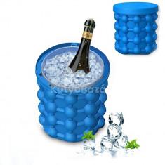 Multifunkciós jégkockakészítő/tároló