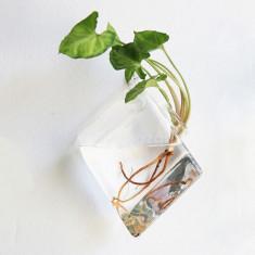 Falra akasztható rombuszváza - asztali rombuszváza
