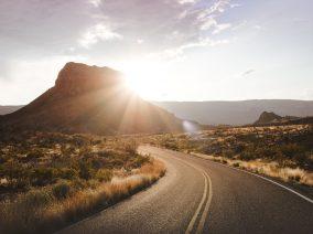 Ennek az egyszerű módszernek köszönhetően tökéletes látás mellett vezethetsz tűző napsütésben vagy éjszaka is!