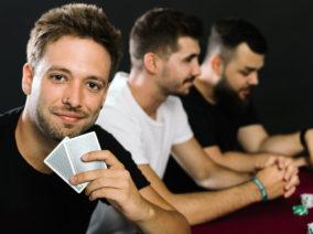 Pókerparti a haverokkal? Csak stílusosan!