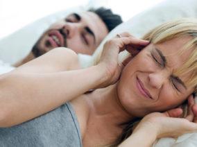 Idegesítő és egészségtelen - Számolj le a horkolással!